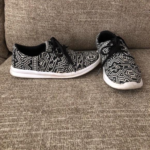 Shoes   Aztec Tennis Shoes   Poshmark